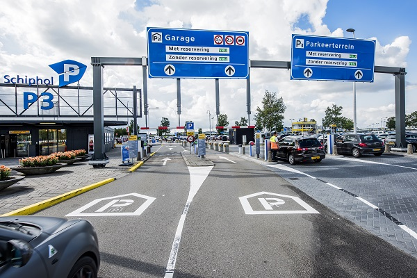 Schiphol Smart Parking Garage P3_008